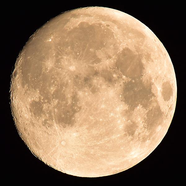 I supermånens sken
