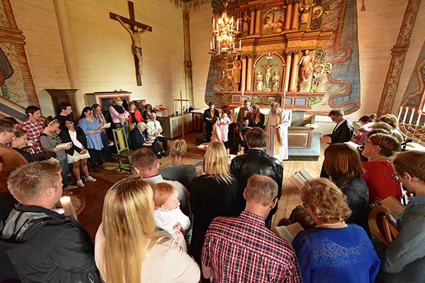 2016-06-11 Ellen Svenssons dop i Frödinge kyrka 07, 600 px